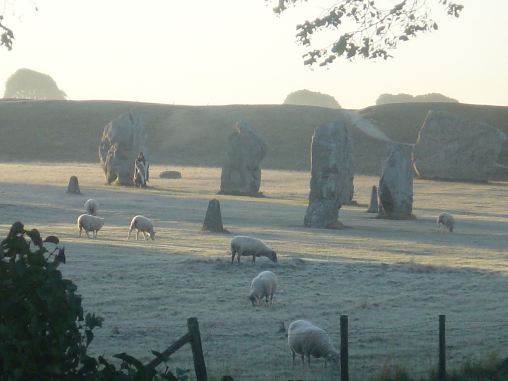 The Lodge, Avebury - Offering bed & breakfast throughout the seasons.
