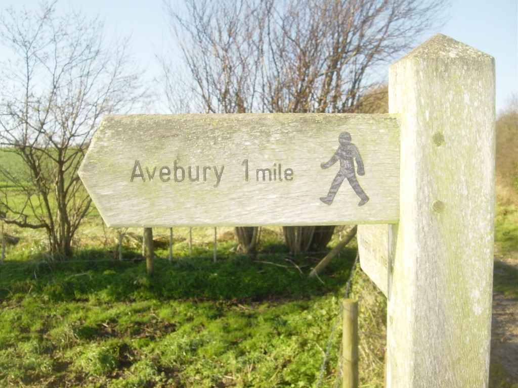 The Lodge, Avebury - Surrounded by footpaths to dozens of spectacular ancient sites.