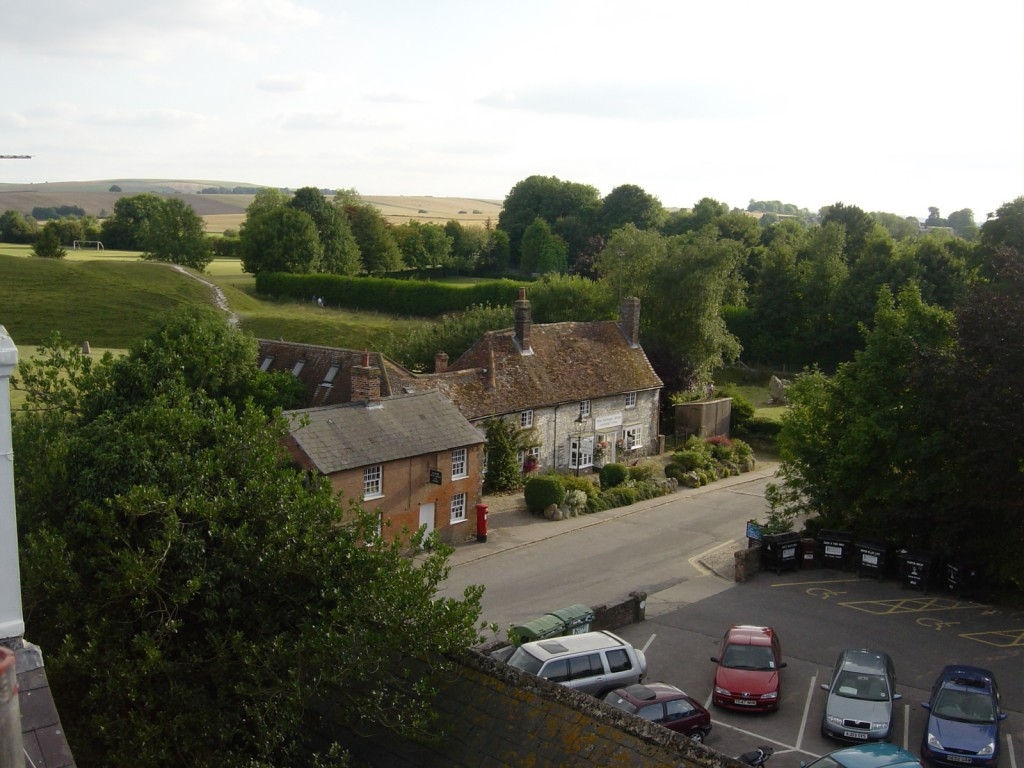 The Lodge, Avebury - Free parking in Avebury for guests.