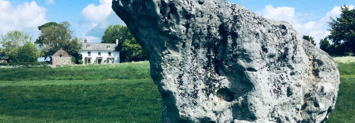Avebury-Bed-and-Breakfast-with-stones